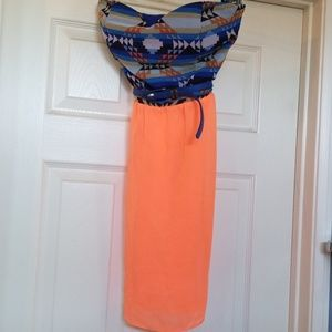 Strapless dress with belt